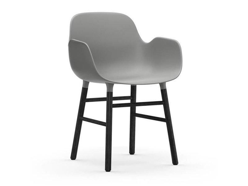 Normann Copenhagen Form Armchair stoel zwart grijs