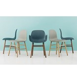 Normann Copenhagen Form Armchair stoel walnoot blauw