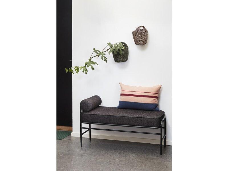 Hubsch Metall / tre sofa - svart inkludert puter