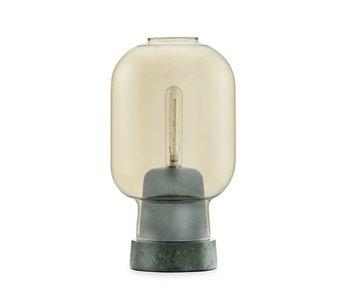 Normann Copenhagen AMP lampe de table de l'or vert