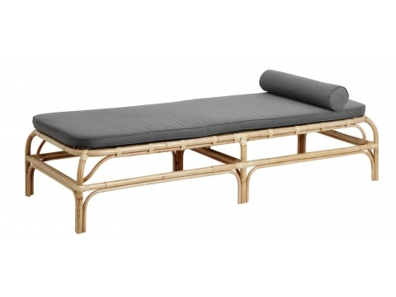 Nordal Bali rattan day bed with gray mattress
