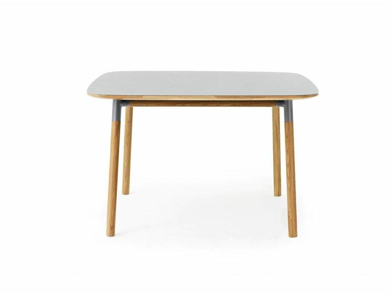 Normann Copenhagen Form tafel eiken grijs