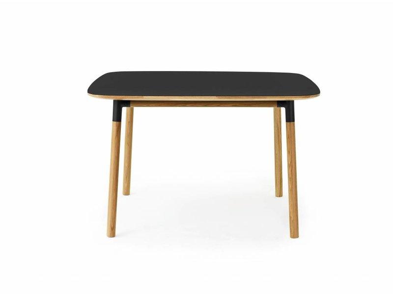 Normann Copenhagen Form tafel eiken zwart