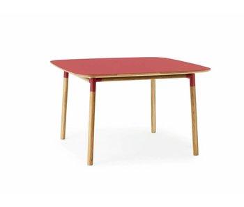 Normann Copenhagen Form røde egetræsbord