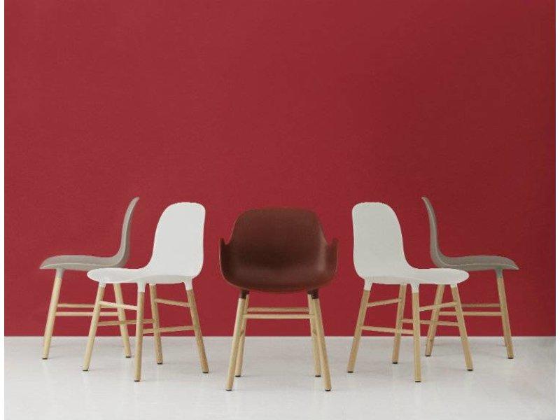 Normann Copenhagen Form Armchair stoel eiken grijs