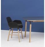 Normann Copenhagen Form Armchair stoel eiken blauw