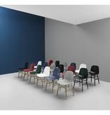 Normann Copenhagen Form Chair eiken stoel blauw
