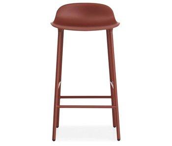 Normann Copenhagen Formar Barstoel de acero de color rojo