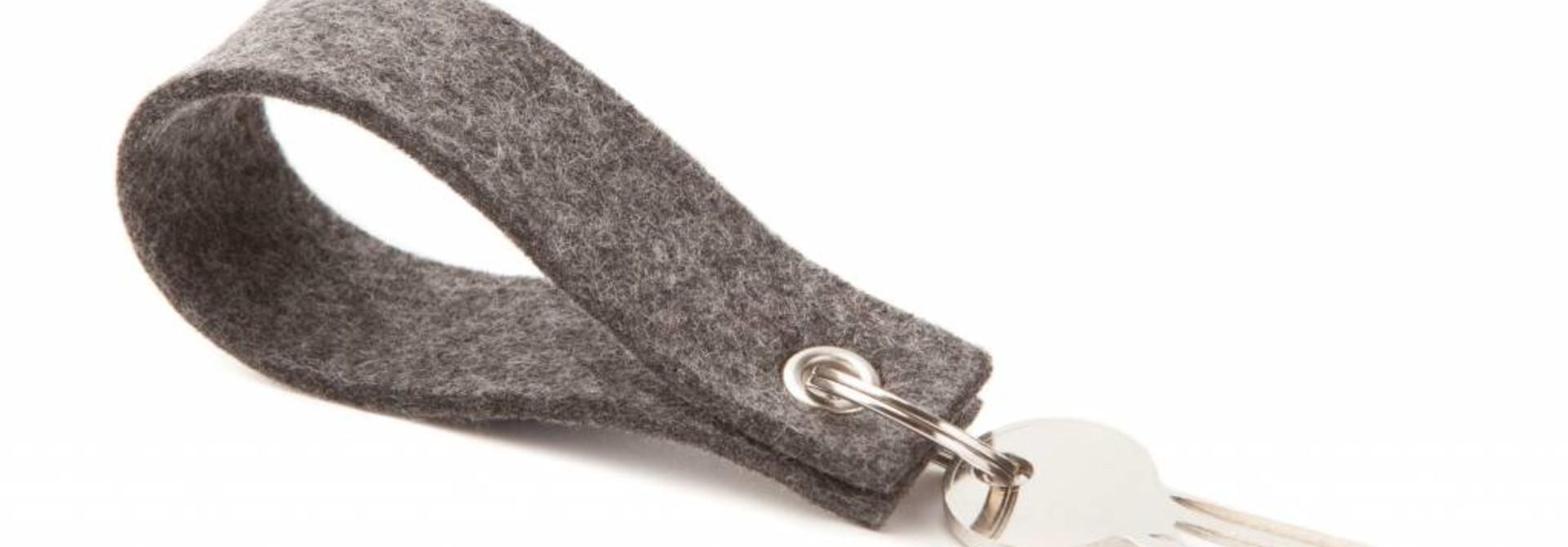 Schlüsselanhänger Grey square