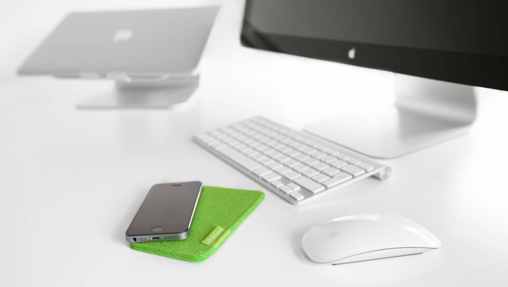 iPhone Sleeve Maigrün-5