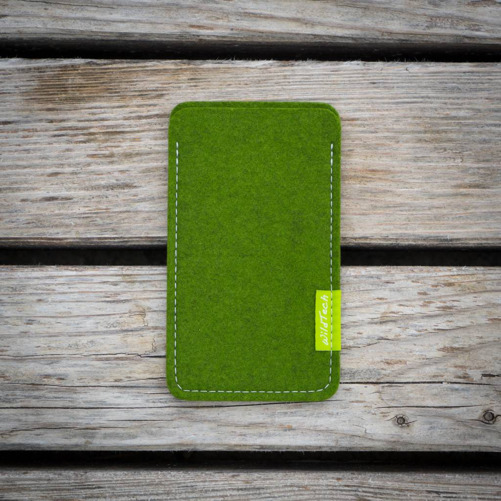 iPhone Sleeve Farn-Green-2