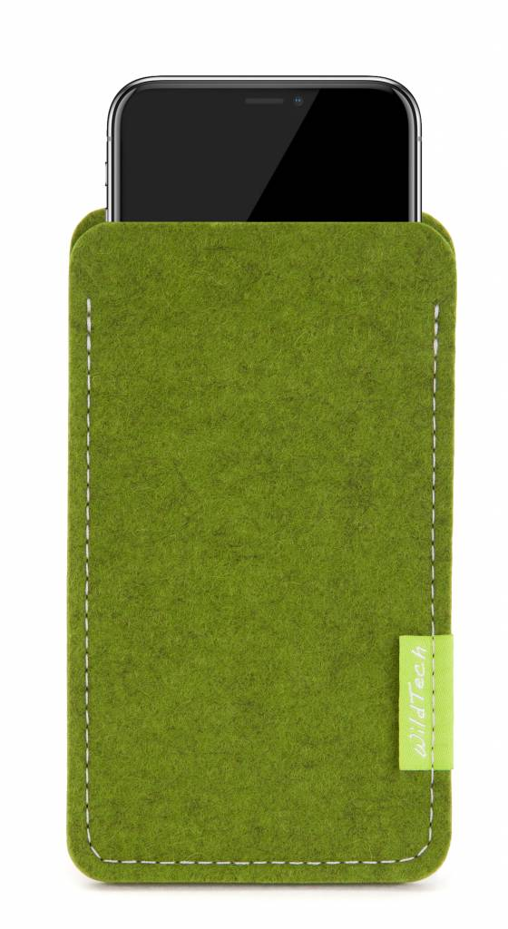 iPhone Sleeve Farn-Green-1