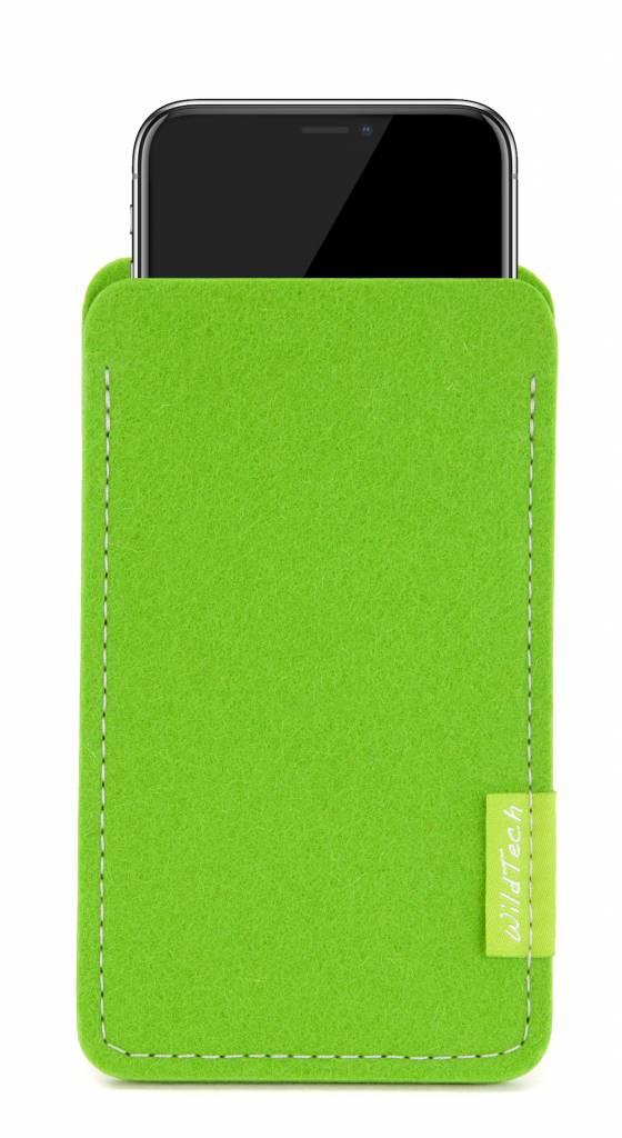 iPhone Sleeve Maigrün-1