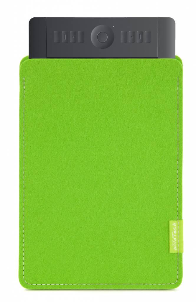 Intuos Sleeve Bright-Green-1