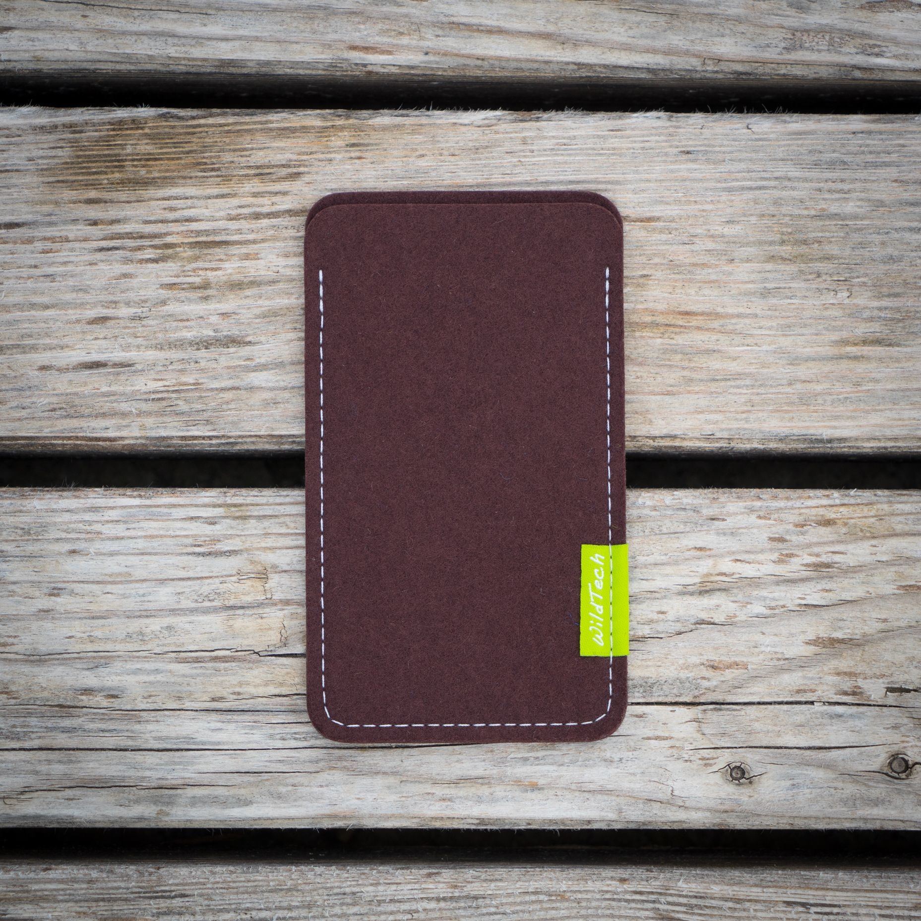 Xperia Sleeve Dark-Brown-2