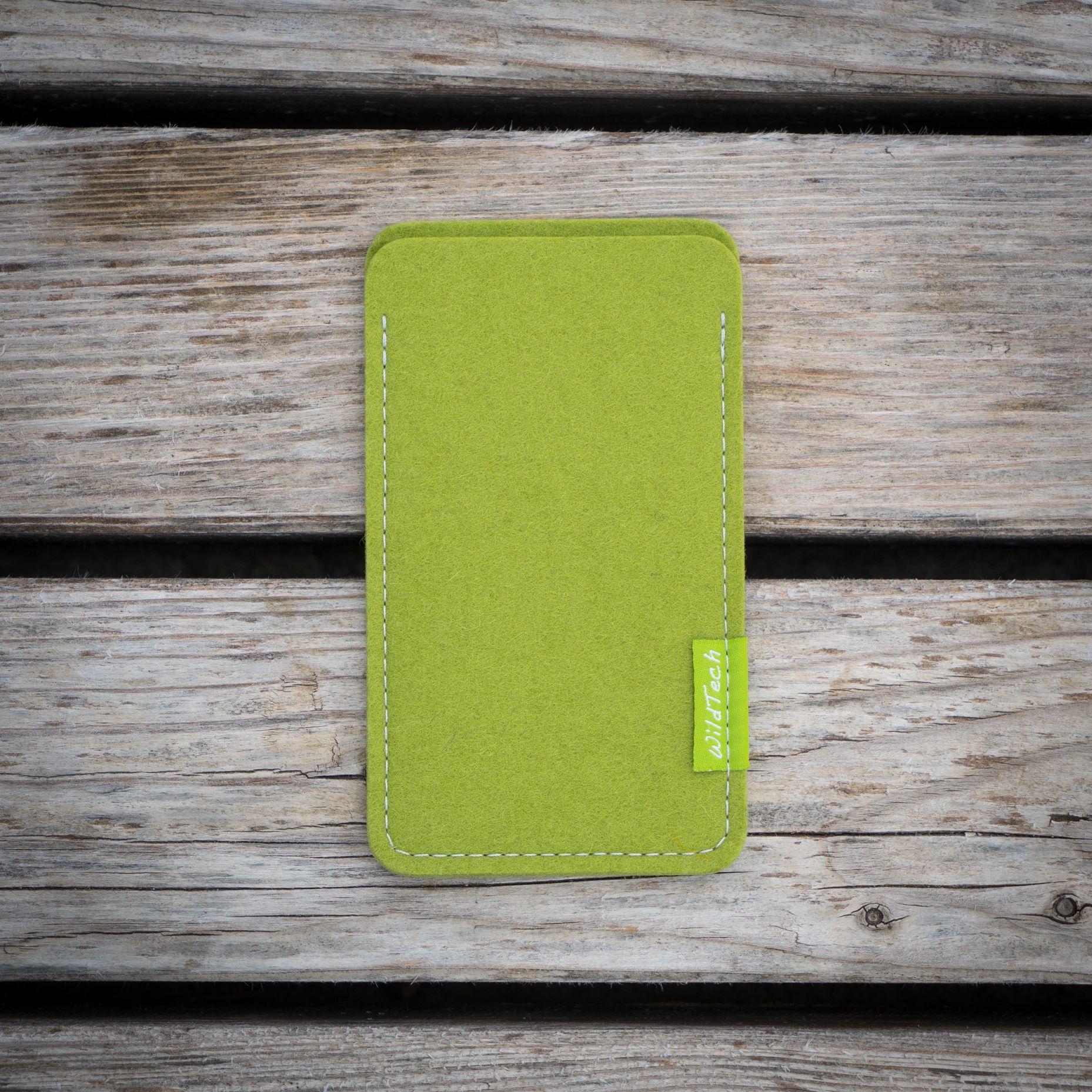 Xperia Sleeve Lime-Green-2