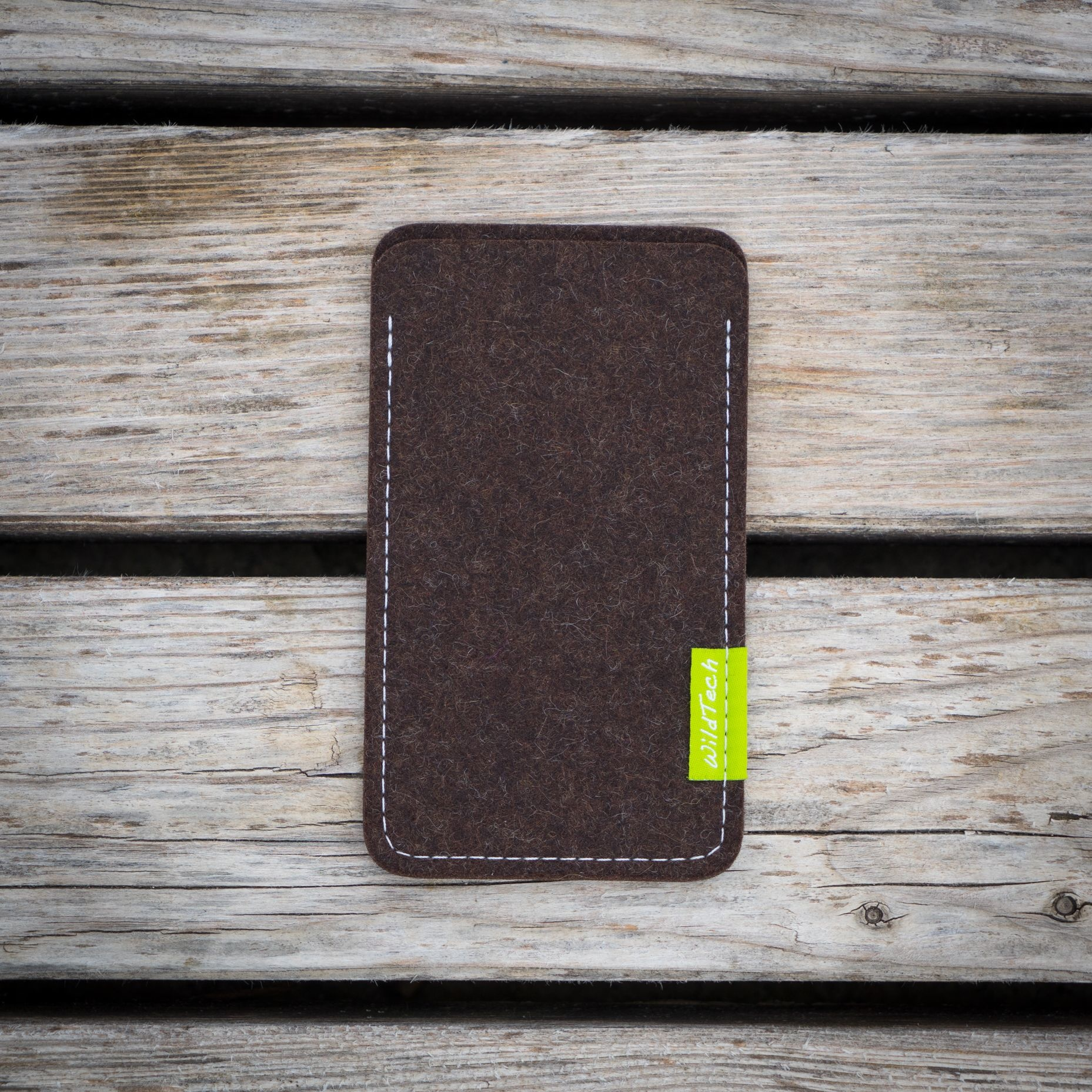 Xperia Sleeve Truffle-Brown-2