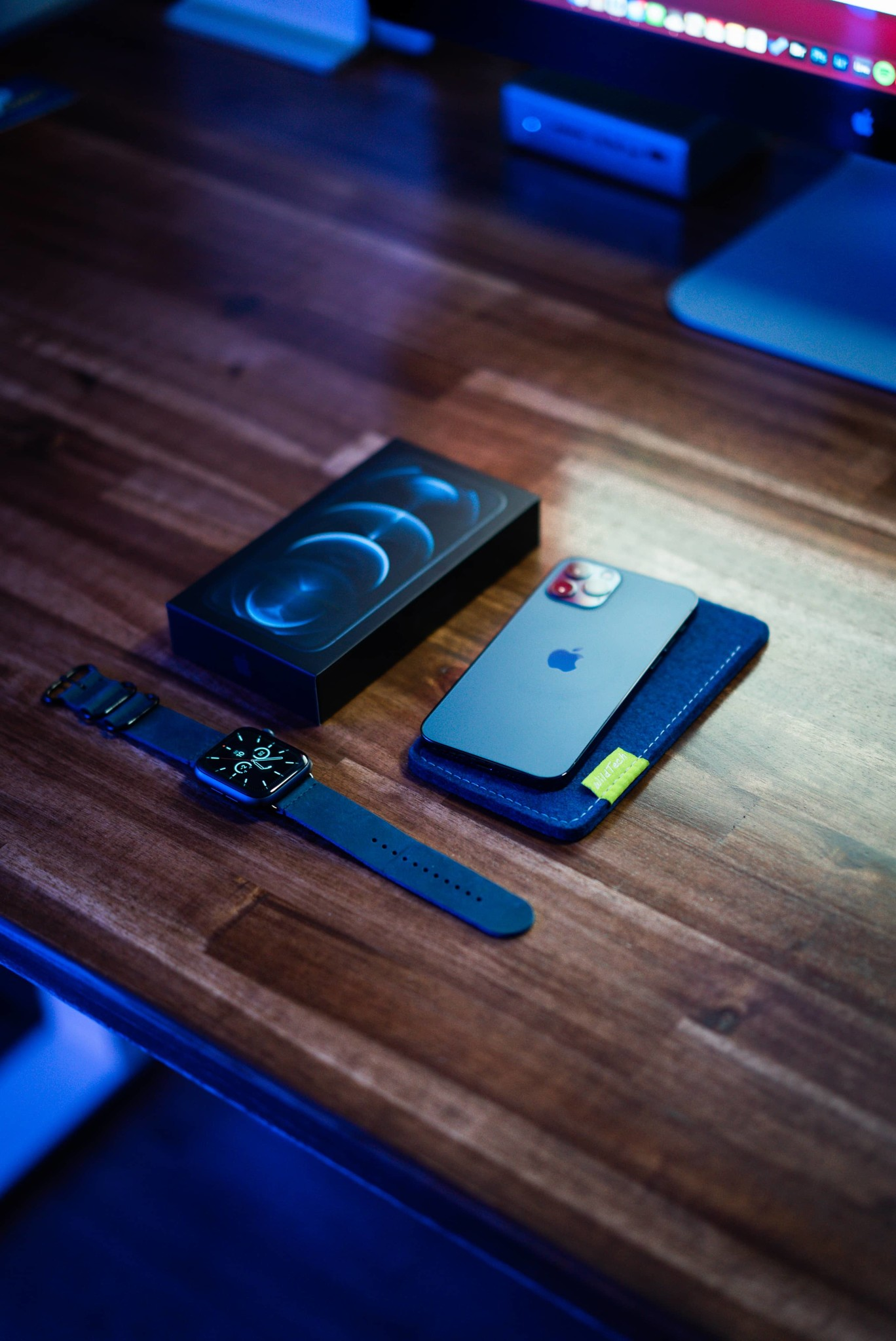 iPhone Sleeve Pazifikblau-2