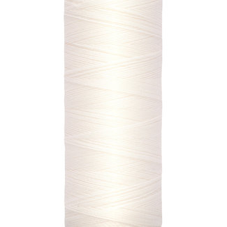 Gütermann Universal sewing threadOff white