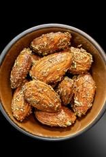 NuZz Bio-Mandeln mit Thymian, Rosmarin und Ahornsirup im Ofen geröstet
