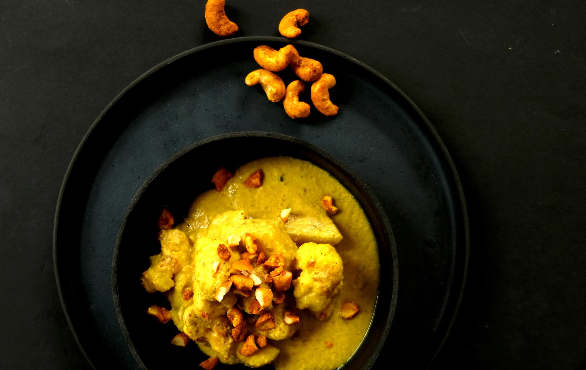 Curry mit Cashews Ingwer-Kurkuma-Limette
