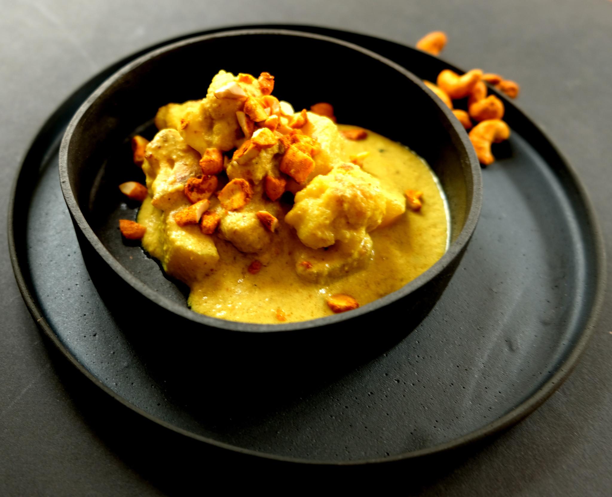 Veganes Curry mit Cashews Ingwer-Kurkuma-Limette