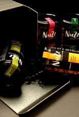 NuZz Cashews und Mandeln in vier verschiedenen Würzungen in der schicken schwarzen Geschenkbox