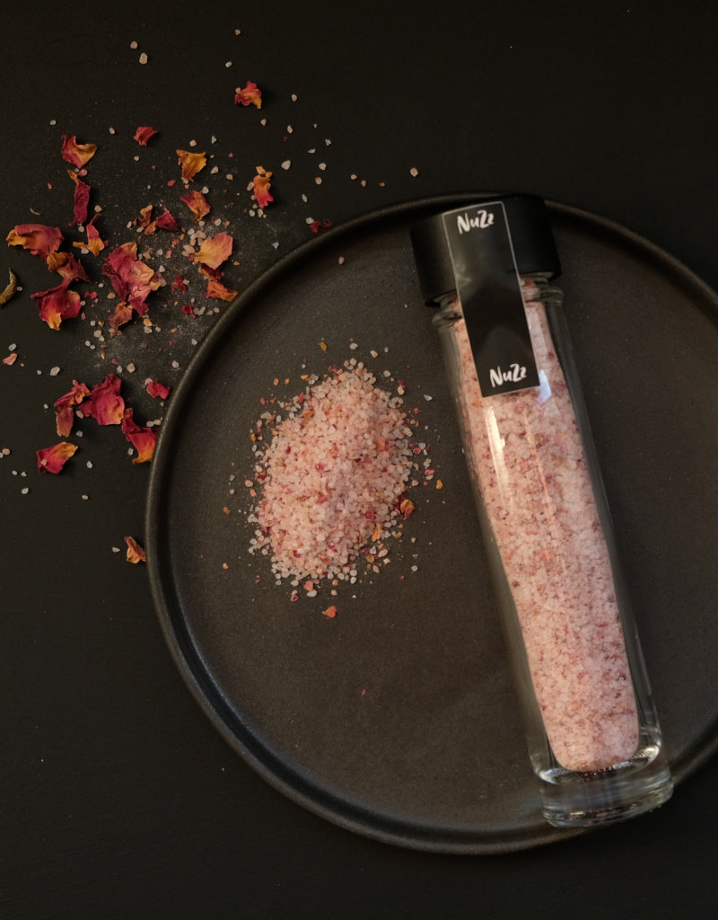 NuZz Duftendes rosa-farbenes Steinsalz mit gemahlenen Rosenblüten
