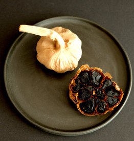 NuZz Black garlic