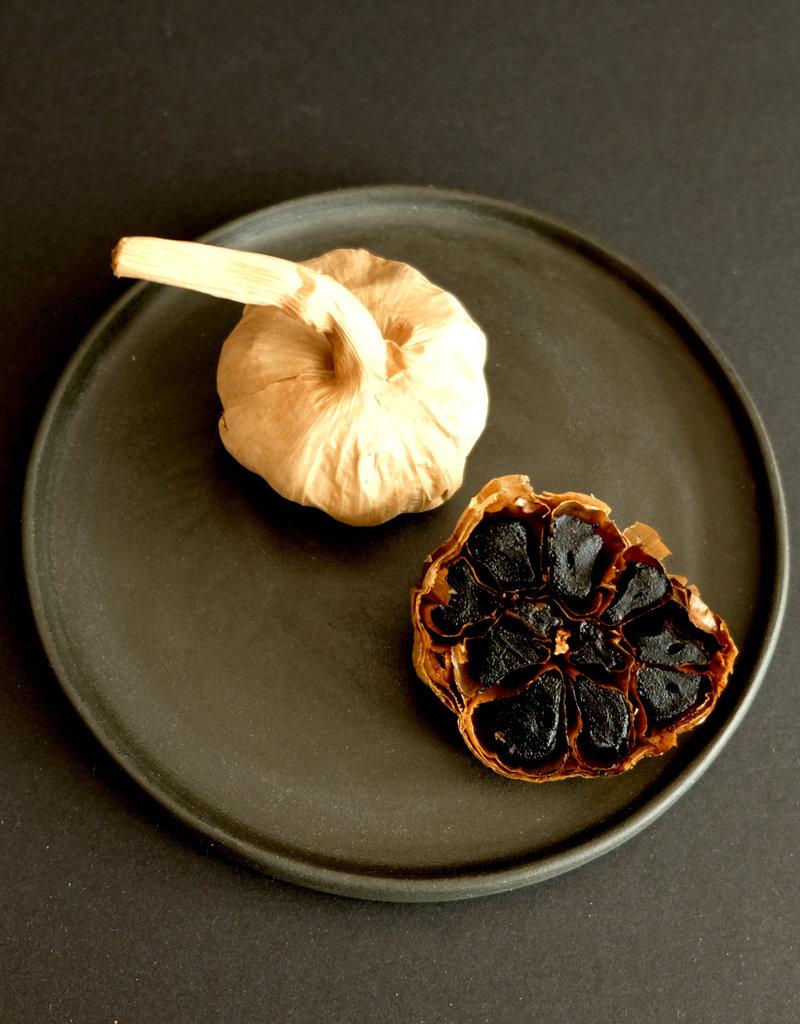 NuZz Black fermented garlich, bulb