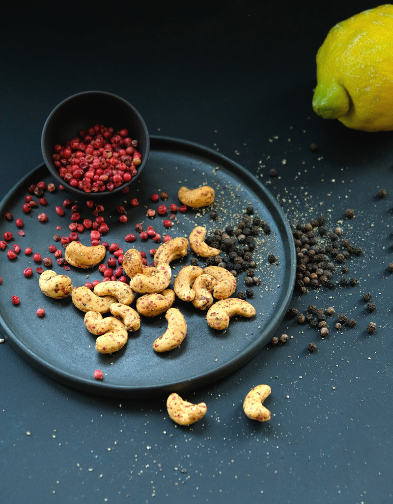 NuZz Cashews Pink Pepper - Black Pepper - Lemon