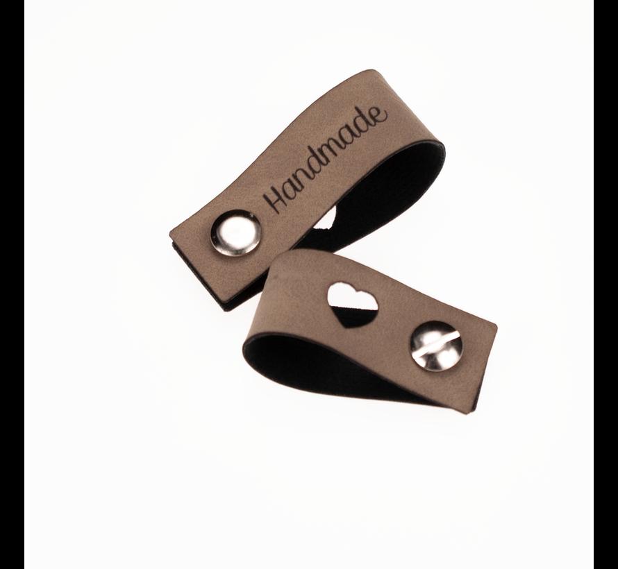 Leren Vouw Label 'Handmade' en 'hartje' uitgestanst 2x12cm