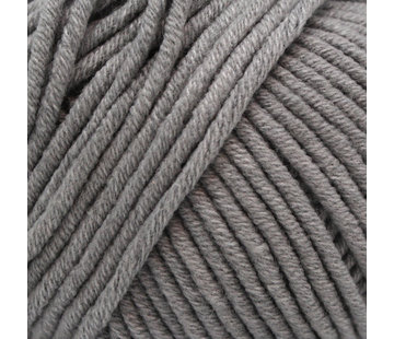 Yarn and Colors Yarn and Colors Fabulous 96 Shark Grey