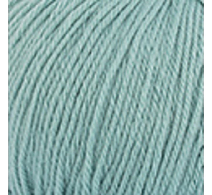 Basic Merino nr.73 Kleur: Waterblauw