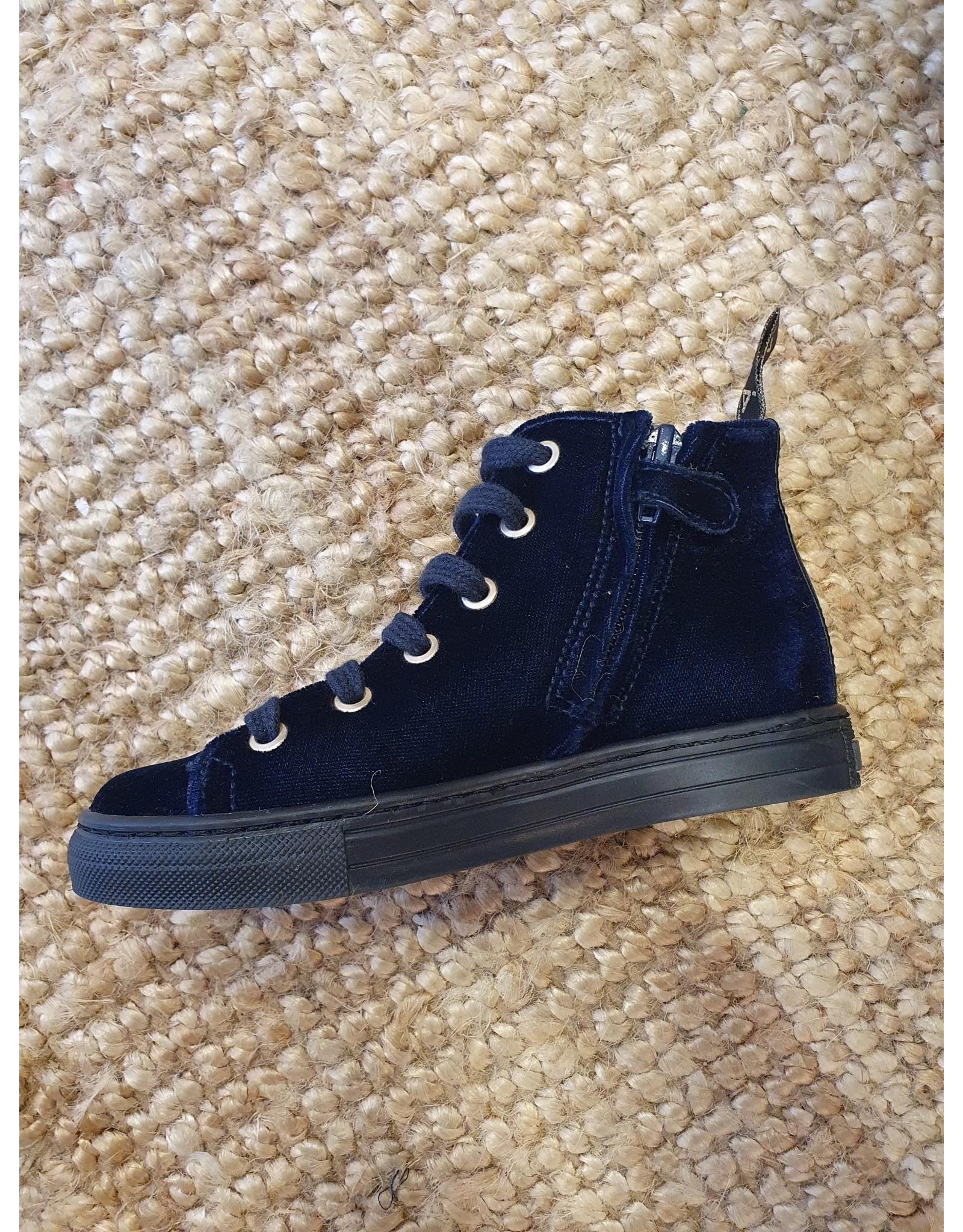 MAÁ sneaker blauw fluweel