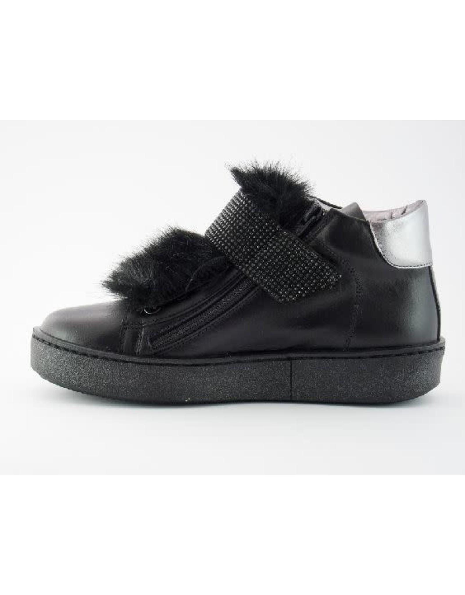 Chérie sneaker black fur