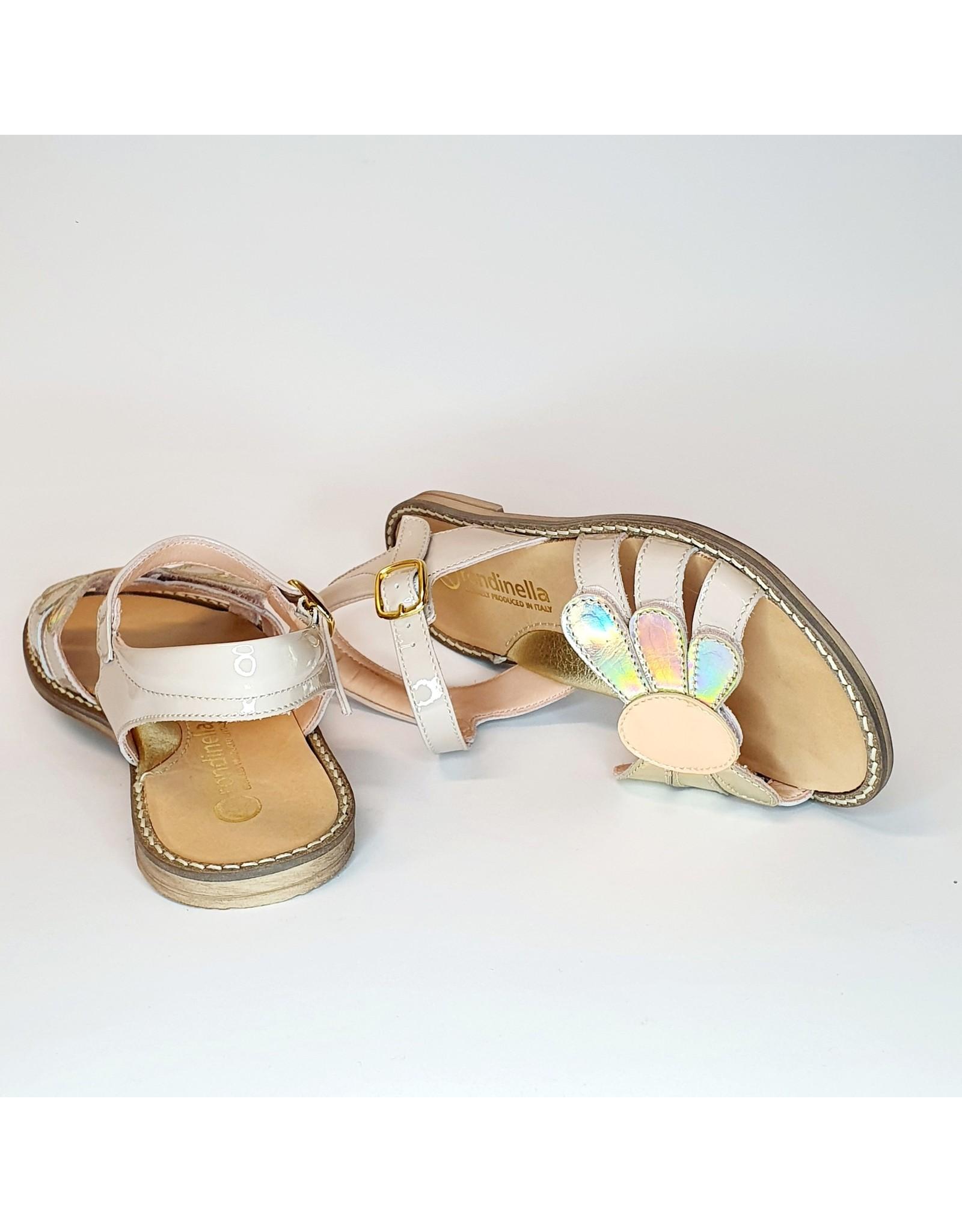 Rondinella sandaal nude lak/ bloem