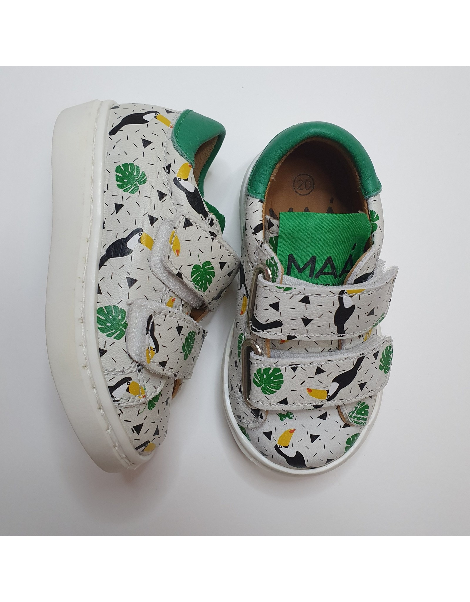 MAÁ sneaker white and green toucan