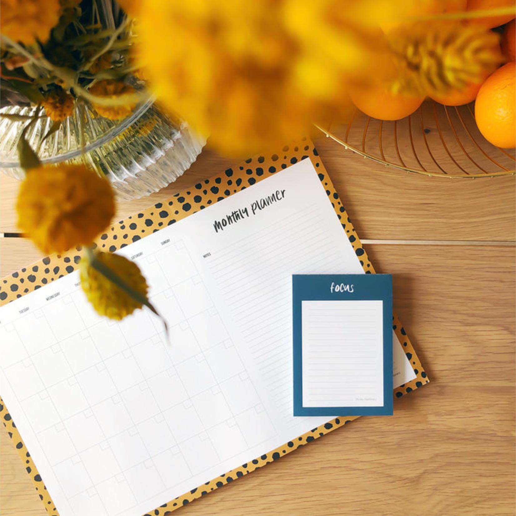 Studio Stationery - kantoormateriaal Beestige maand planner - lekker groot