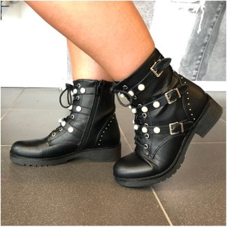 Boots Black Pearl