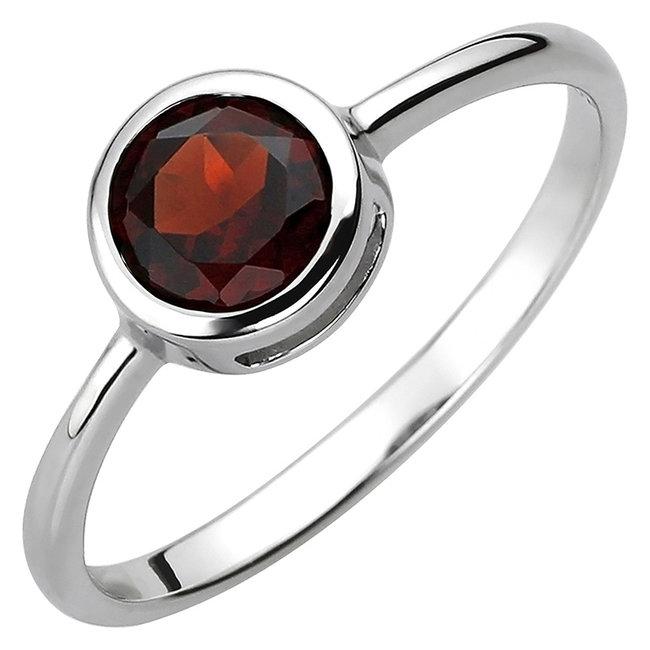 Ring in 925 sterling zilver met granaat ca. 6 mm