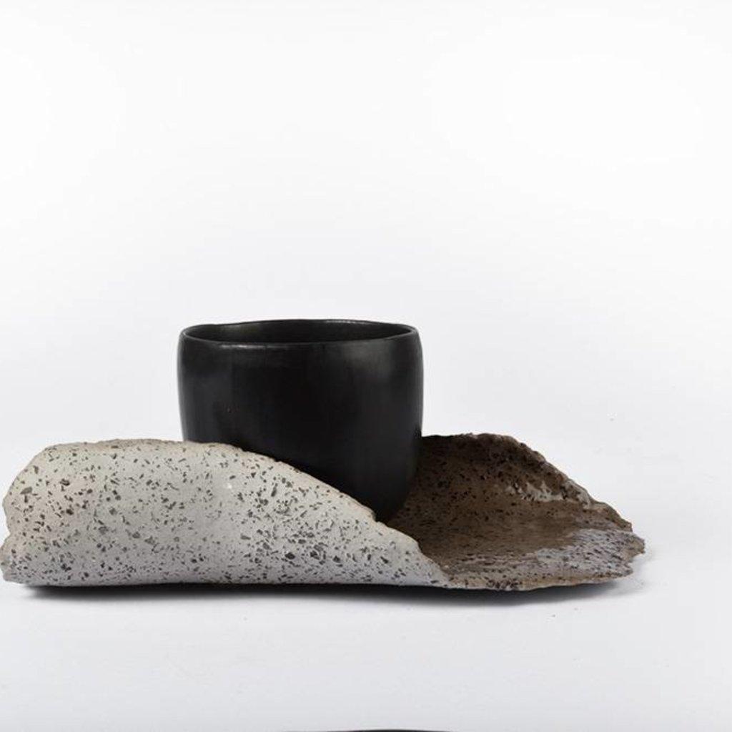 Zwarte Koffie Kopje met Organic Schotel