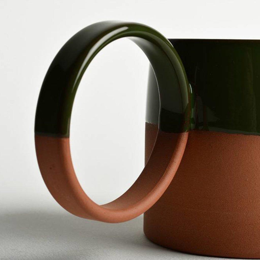 Mug with bug handle