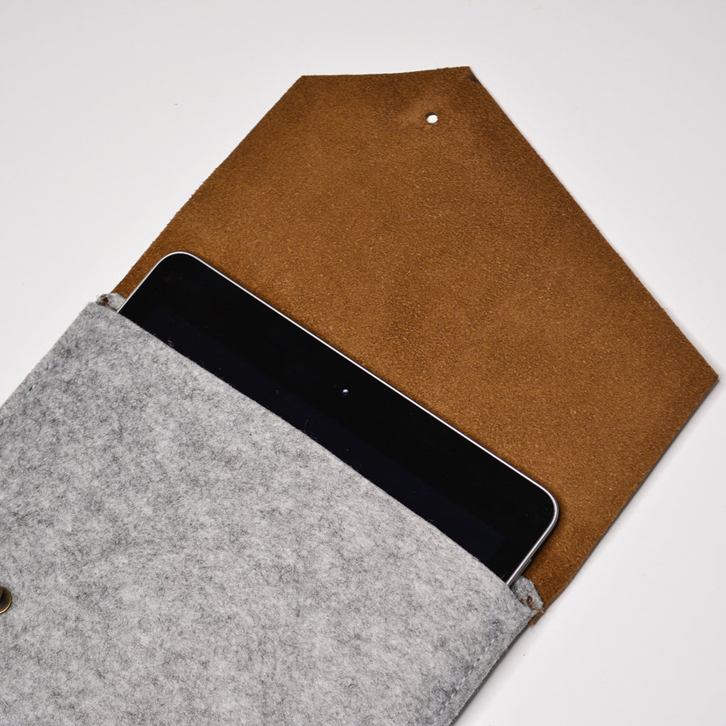 Kiwano Leer Vilt iPad Sleeve | Nubuck Bruin