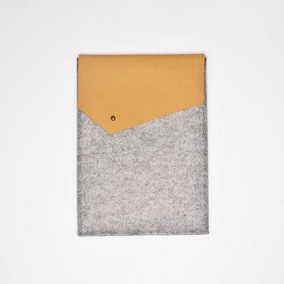 Kiwano Leer Vilt iPad Sleeve | Nubuck Beige