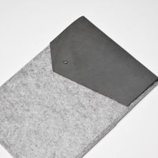 Kiwano Leather Felt iPad Sleeve   Nubuck Gray