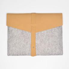 Kiwano Cinnamon Leather Felt Ipad Sleeve | Clutch