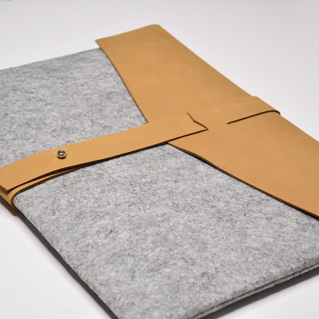 Kiwano Brown Leather & Felt Laptop Bag / Clutch | M