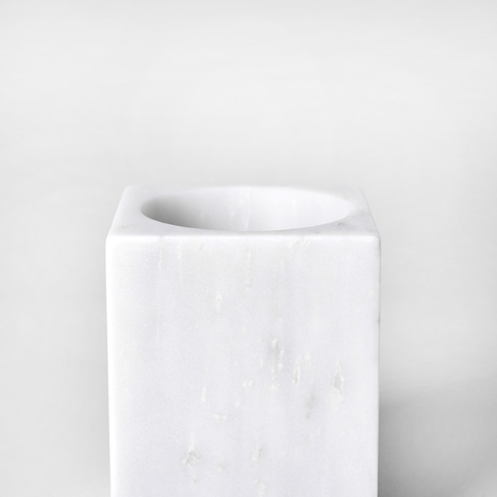 Kiwano Bianco White Marble Pen and Toothbrush Holder