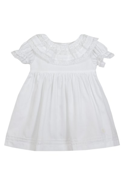 Wit jurkje met prachtige kanten kraag